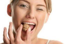 Миниатюра к статье Чем полезен грецкий орех. Калорийность. Эликсир для мужчин. Масло. Листья. Зеленые плоды