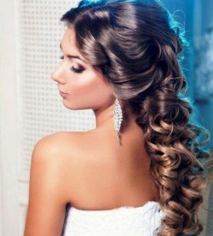 Миниатюра к статье Красивые пышные волосы за 1 минуту в день: рецепты для очень занятых дам