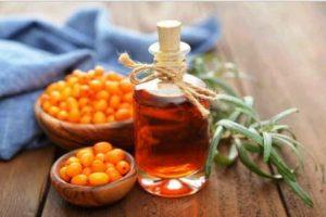 Миниатюра к статье Польза и вред облепихового масла, его лечебные свойства и рецепты применения