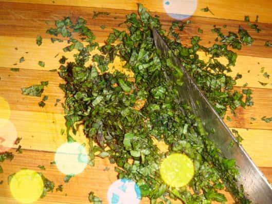 3 - Нарезаем листья мяты-min