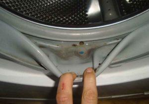 Миниатюра к статье Как очистить машинку от плесени и опасного мусора? Всегда так делаю…