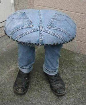 Миниатюра к статье Старые джинсы резать на шорты? Есть идеи получше!