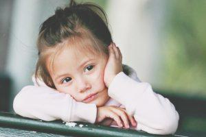 Миниатюра к статье Если ребенок остается дома один: как действовать маме