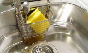 Миниатюра к статье Как сделать так, чтобы кухонная мойка сияла как новая. Мой любимый способ