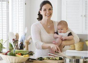 Миниатюра к статье Кухонные премудрости мамы с маленькими детьми