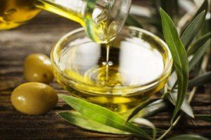 Миниатюра к статье Лечим уши оливковым маслом