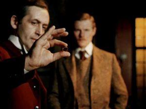 Миниатюра к статье Чем умный человек отличается от недалекого: цитата Шерлока Холмса