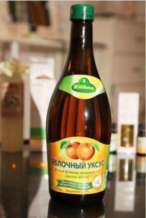 Миниатюра к статье Польза и возможный вред яблочного уксуса: что лечит целебная кислота