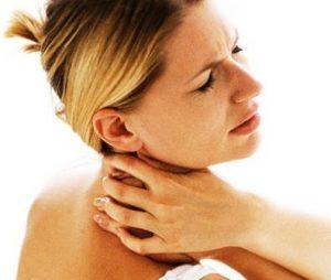 Миниатюра к статье Симптомы шейного остеохонроза и лечение в домашних условиях. Народные средства от всех видов остеохондроза.